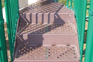 Deck to Deck Steps (200125540)